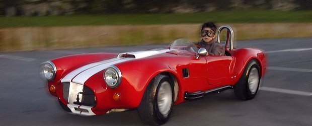 Un portughez a realizat un Shelby Cobra de jucarie pentru fiul sau