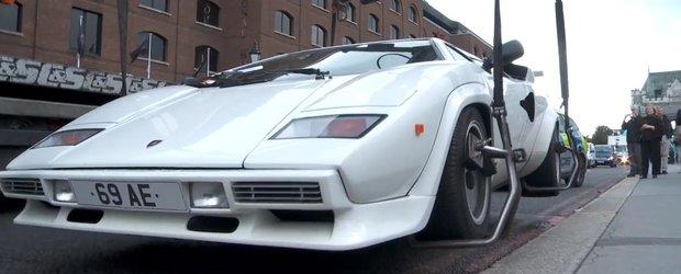 Un proprietar si-a abandonat Lamborghiniul Countach in centrul Londrei