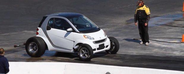 Un Smart Fortwo cu motor V8 este visul oricarui liniutar