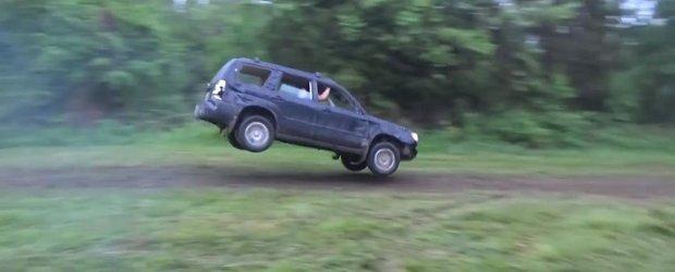 Un Subaru Forester este testat putin cam agresiv, dar rezista fara emotii