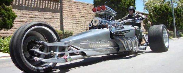 Un trike cu 1000 cp poposeste in garajul lui Jay Leno