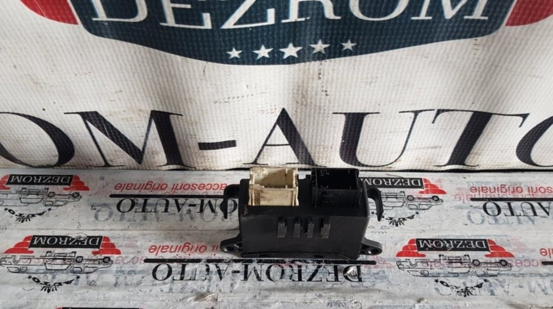 Unitate control oglinzi BMW Seria 3 E46 cod piesa : 8386427