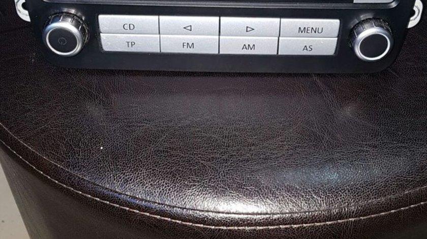 Unitate radio CD mp3 VW Passat Jetta Golf Turan Tuareg pret 400 ron
