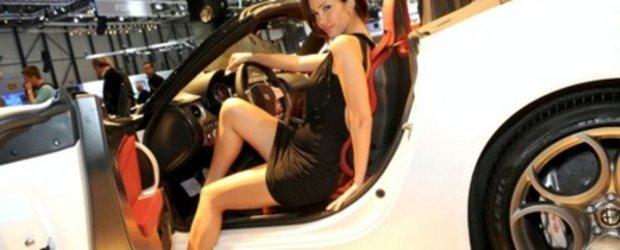 UPDATE: Fetele de la Geneva Motor Show 2010
