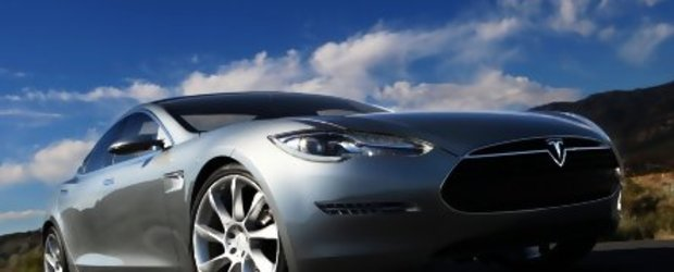 Update Foto: Tesla Model S in lumea reala