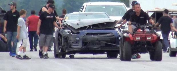 Urmarile unui accident cu un Nissan GT-R de 2000 CP