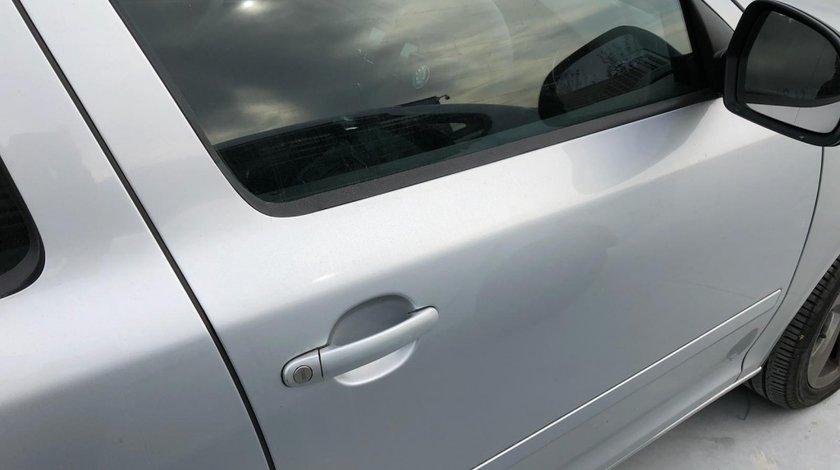 Usa dreapta fata Skoda Octavia 2012 berlina 1.6 diesel
