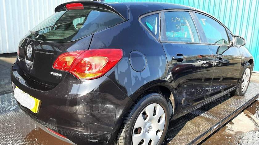Usa dreapta spate Opel Astra J 2010 Hatchback 1.3 CDTI