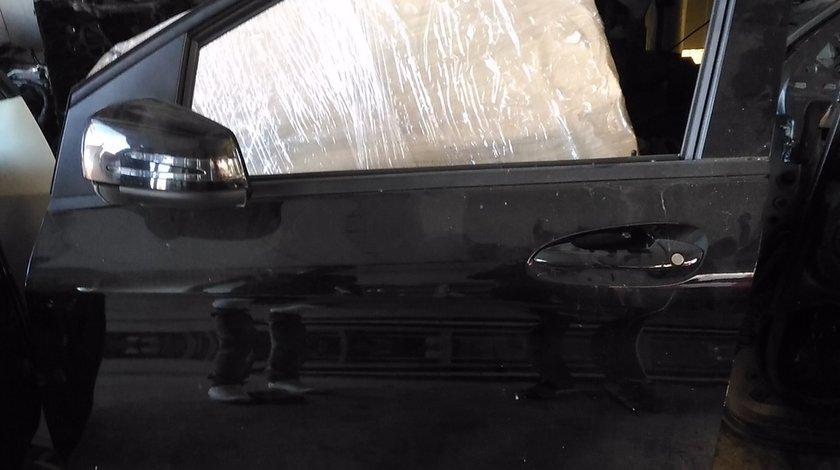 Usa stanga fata Mercedes B-class W246
