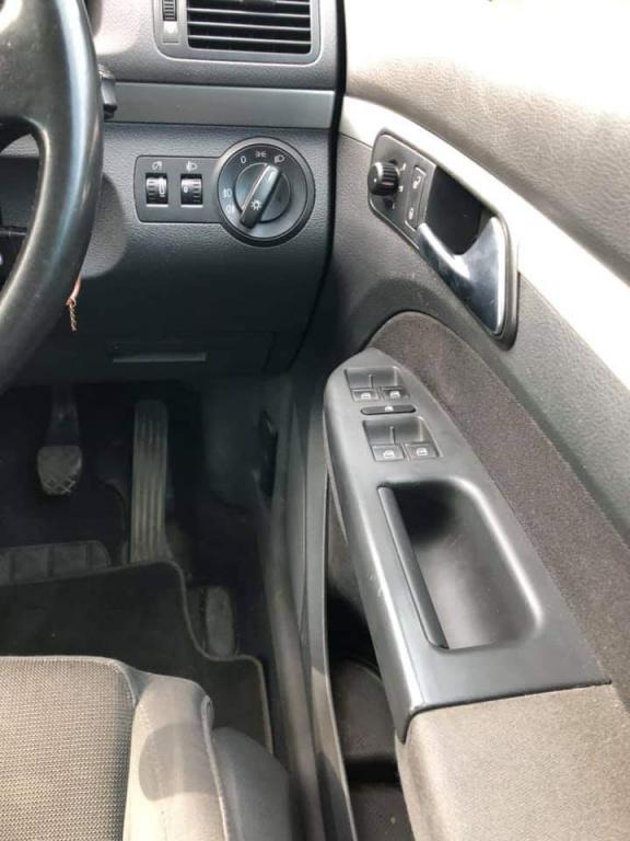 Usa stanga spate Volkswagen Touran 2007 Monovolum 2.0BKD