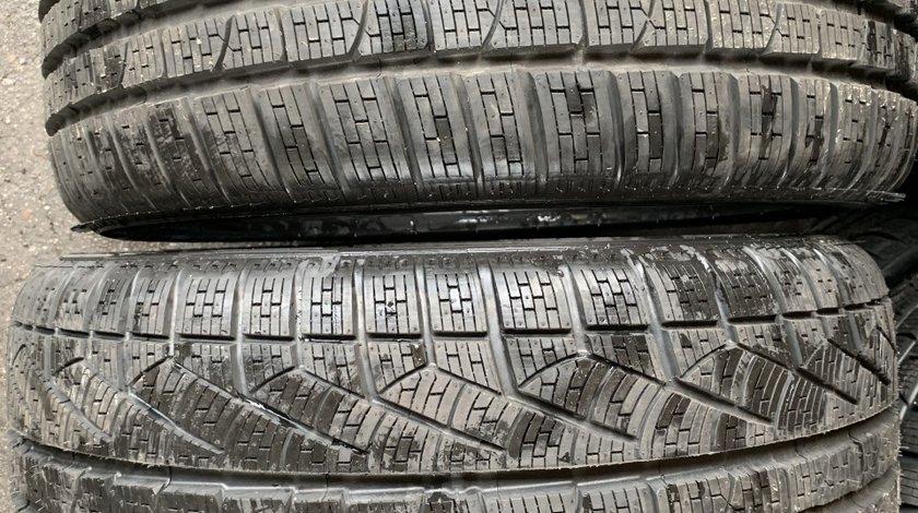 Vând 2 anvelope 245/35/18 Pirelli runflat de iarnă noi