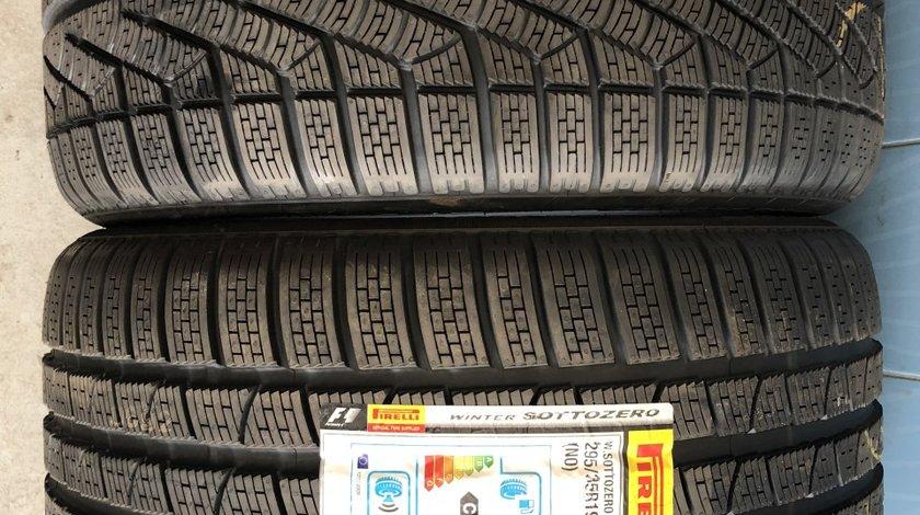 Vând 2 anvelope 295/35/19 Pirelli de iarnă noi