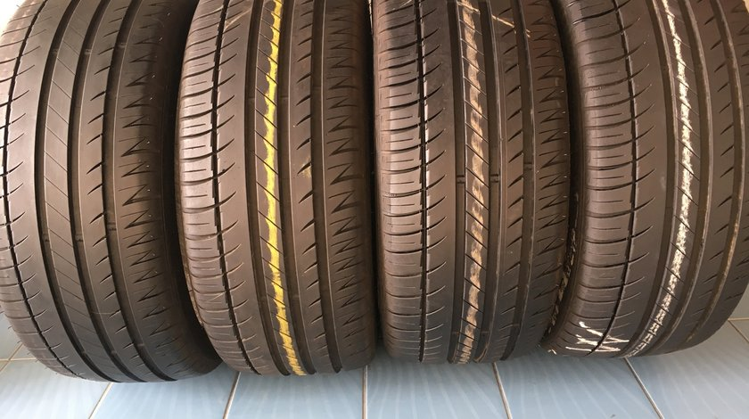 Vând 4 anvelope 205/40/17 Michelin de vara la 7 mm