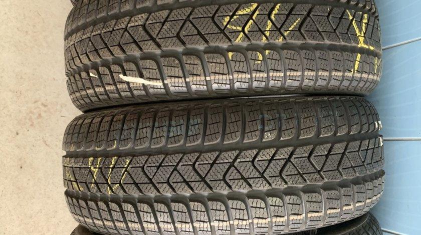Vând 4 anvelope 215/60/16 Pirelli de iarnă noi