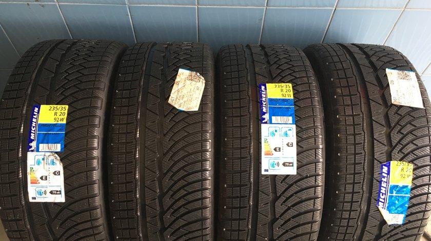 Vând 4 anvelope 235/35/20 Michelin de iarnă noi