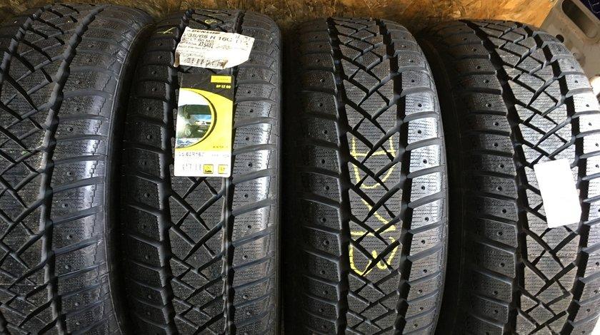 Vând 4 anvelope 235/65/16C Dunlop de iarnă noi