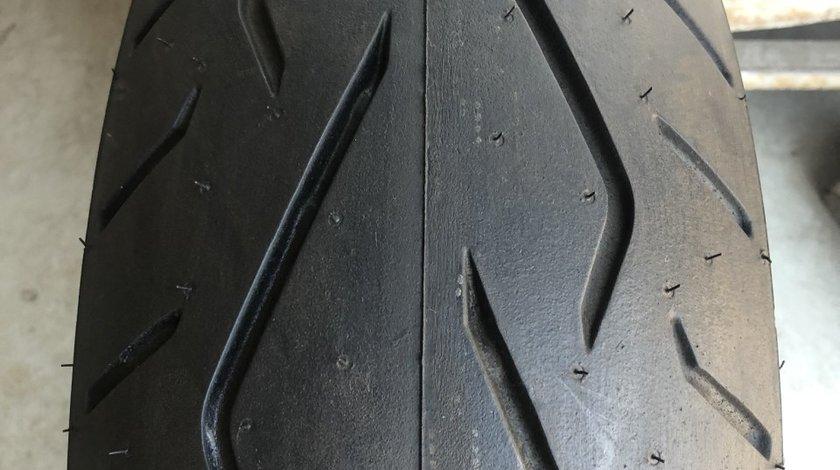 Vând anvelopă 180/60/16 Dunlop nouă