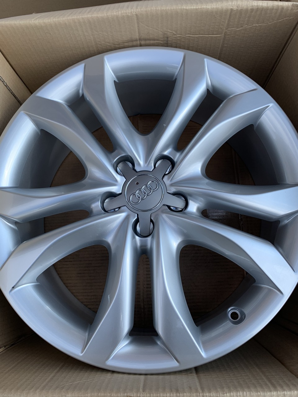 Jante Audi Q3 : v nd jante aliaj originale audi q5 q3 a4 a5 a6 a7 noi pe 19 39598345 ~ Dode.kayakingforconservation.com Idées de Décoration