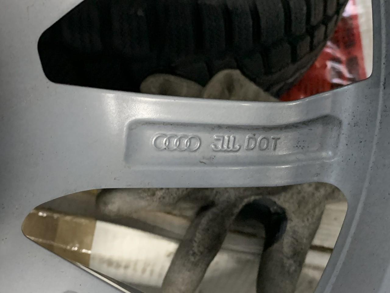 """Vând jante originale Audi A4 pe 18"""" noi cu anvelope ca noi"""