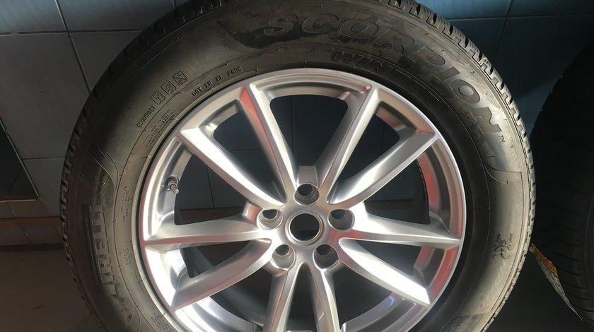 """Vând jante originale Range Rover pe 19"""" cu anvelope Pirelli de iarnă noi"""