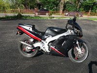 Vând motocicleta suzuki 125cc