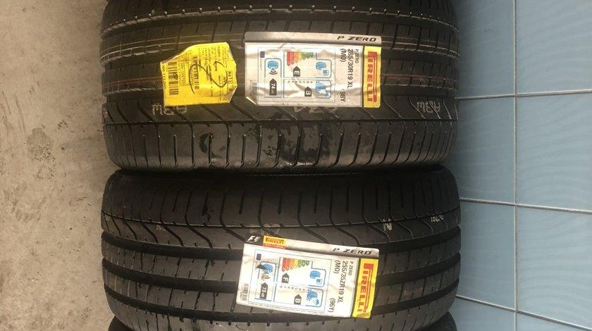 Vând set anvelope 255/35/19-285/30/19 Pirelli de vară noi