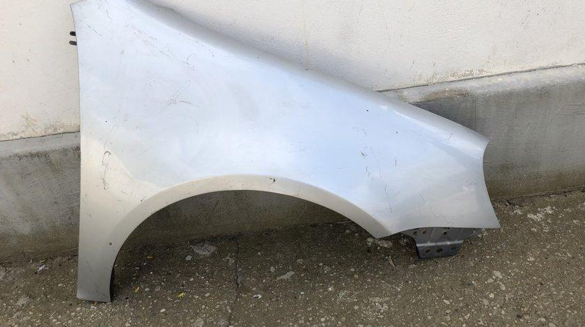 Vand aripa dreapta fata VW Golf 5