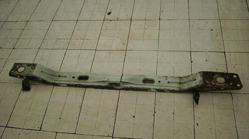 Vand armatura bara fata Opel Movano 2000-150 lei.