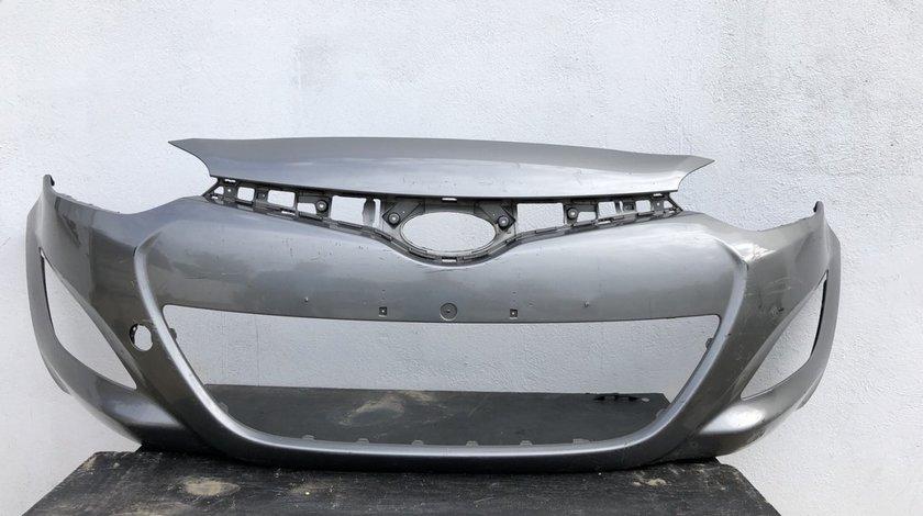 Vand bara fata Hyundai i20 facelift 2013 2014