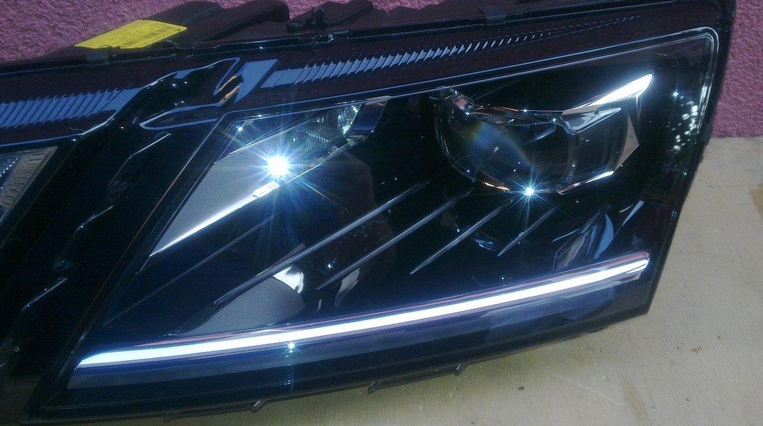 Vand far LED stanga dreapta Skoda Octavia 3