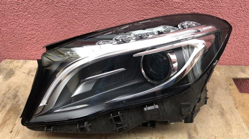 Vand far xenon stanga Mercedes GLA X156