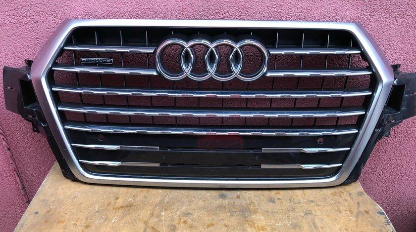 Vand grila bara fata Audi Q7