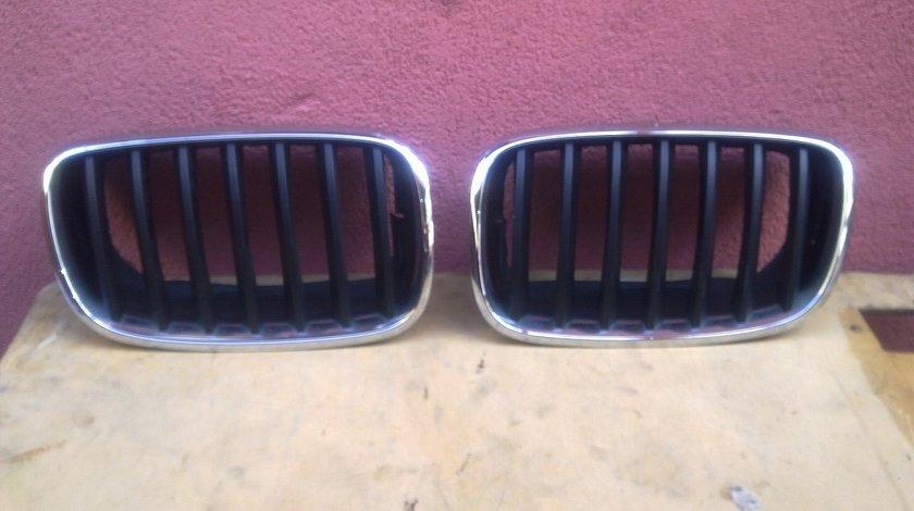 Vand grila capota dreapta stanga BMW X5 X6