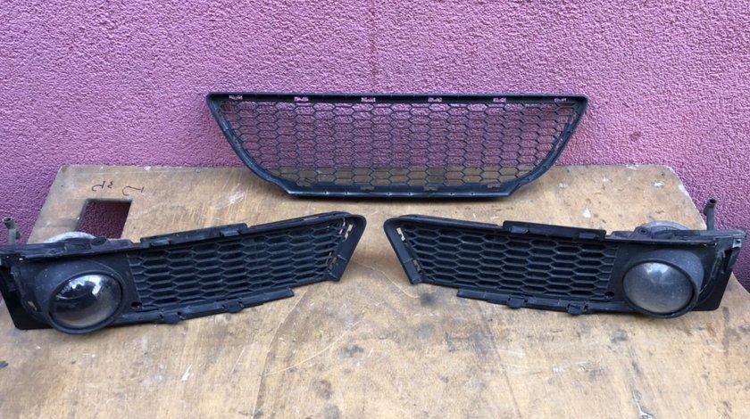 Vand grila/grile/proiectoare bara fata BMW E90 M 2007