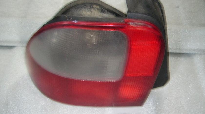 Vand lampi spate Rover 400 1999;5-hatchback