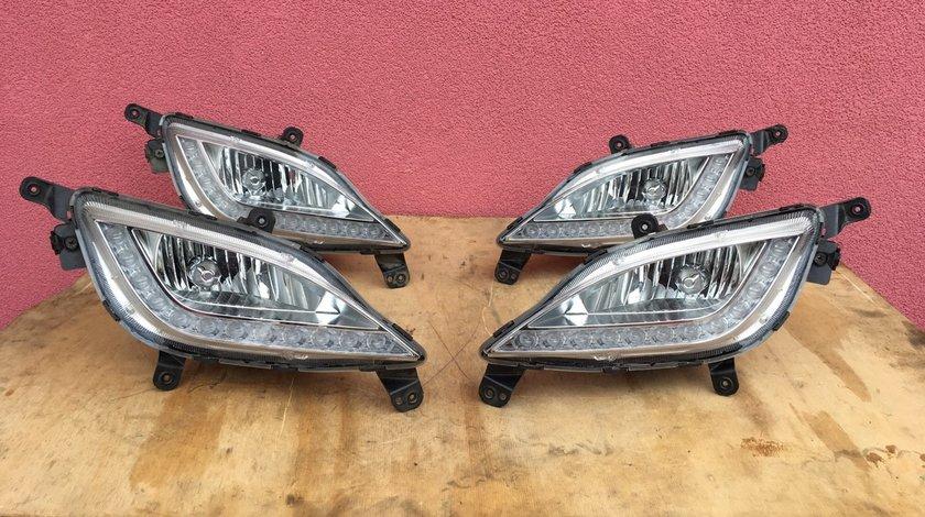 Vand proiector LED stanga dreapta Hyundai i30