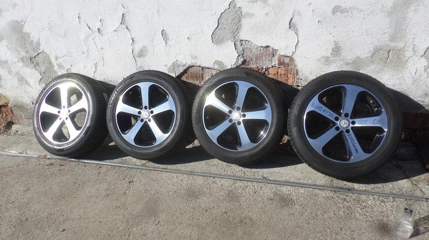 """Vand set de 4 jante de aliaj   pe 19"""" originale Mercedes GLC cu anvelope de iarna marimea 235/55/R19"""