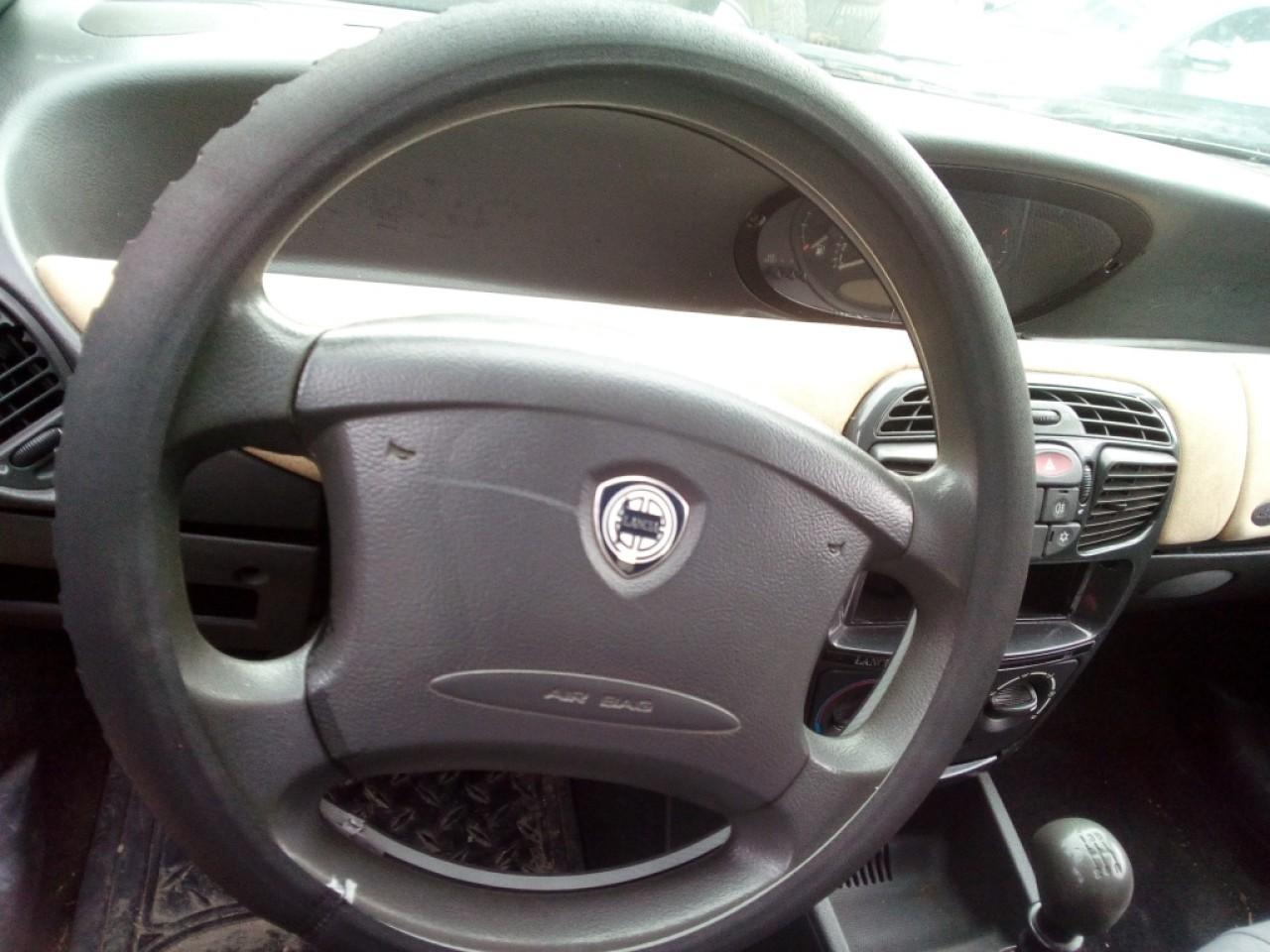Vas expansiune Lancia Y 2000 Hatchback 1.2