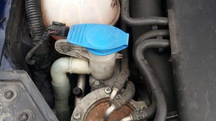 Vas lichid parbriz VW Golf 5