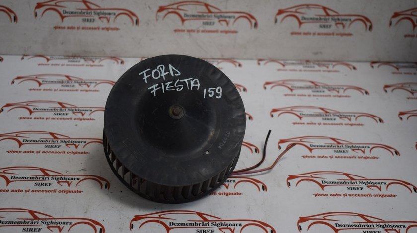 Ventilator bord Ford Fiesta 1.3 B 2001 159