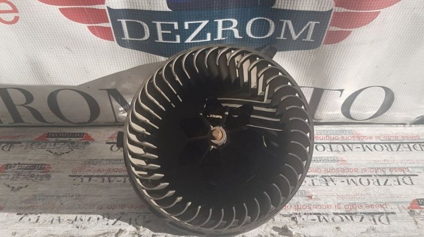 Ventilator habitaclu Skoda Octavia II 1.2 TSi cod piesa : 1K1820015J