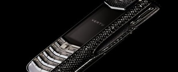Vertu lanseaza un nou model, Ascent Ti, facut in totalitate din fibra de carbon
