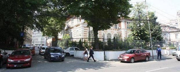 Vesti bune: se poate circula pe strazile din jurul fostei Ambasade SUA