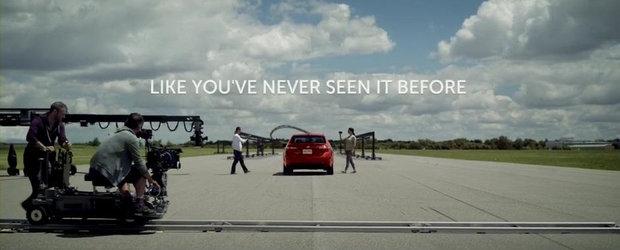 VEZI AICI cum este realizata o reclama auto
