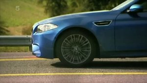 Vicki de la Fifth Gear testeaza noul BMW M5!