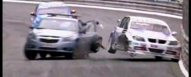Video: Accident teribil in WTCC