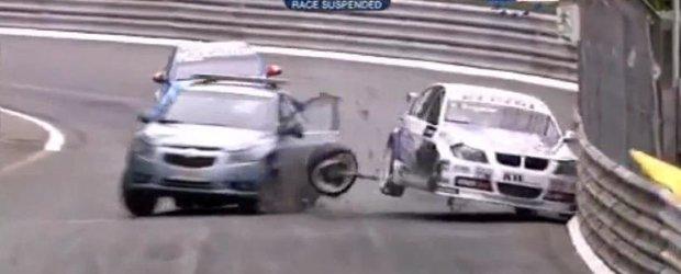 Video accidente: Cand un Safety-Car nu mai este asa de... safety