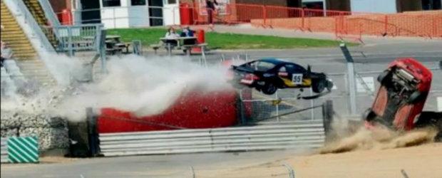 Video: Acesta este, probabil, cel mai spectaculos accident din istorie