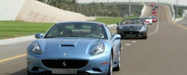 Video: Aproape 100 de Ferrari in... fireste, Emiratele Arabe Unite