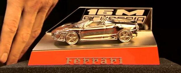 Video: Asa ia nastere o macheta Ferrari din bronz!